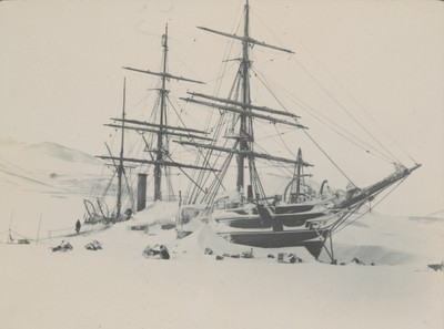 Ship showing snow drift