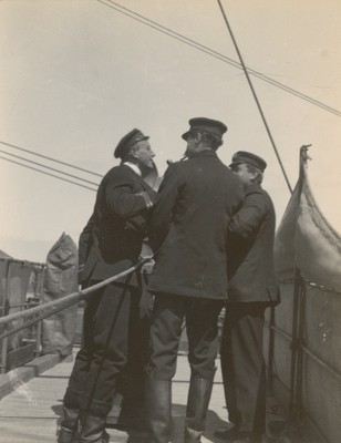 Barne, Koettlitz and Shackleton on bridge