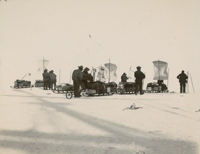 Main Western sledging party, sledges fitted with sails