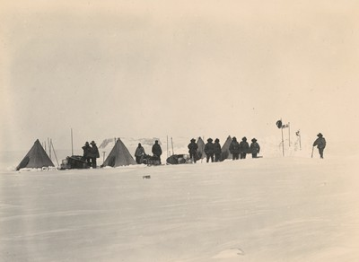 Camp on Western sledge party on inland ice