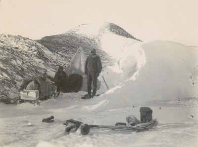 Tent among old ice
